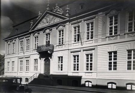 Pałac Sejmu Stanów Pomorskich wzniesiony w latach 1726-1727 według projektu G.C. Walrave'go, od 1928 roku pełni funkcje muzeum. (MNS/A.Foto/15837)