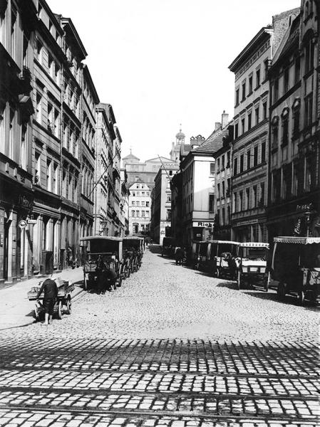 Ulica Środowa przecinała teren Podzamcza prowadząc od zamku w przedłużeniu ul. Kuśnierskiej do nabrzeża. (MNS/A.Foto/15455)